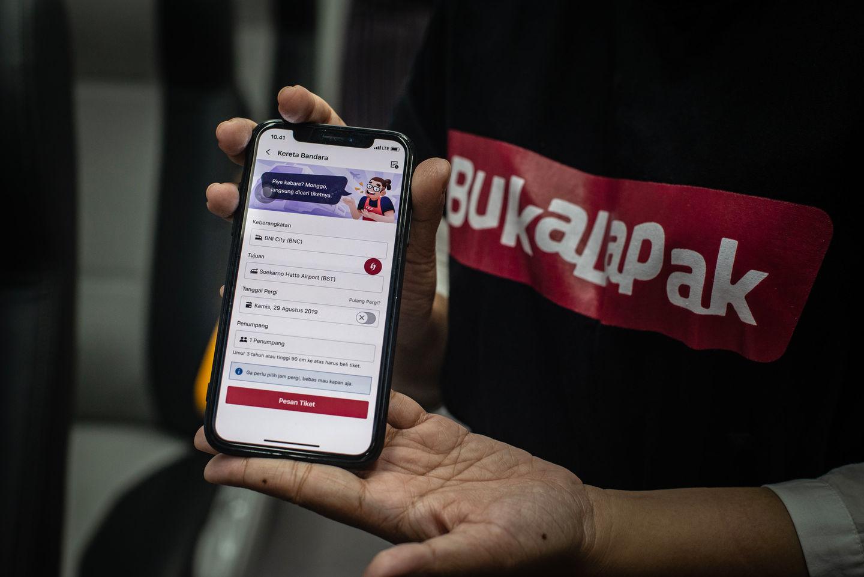 Layanan pesan tiket kereta bandara di Bukalapak | Sumber: Beritagar