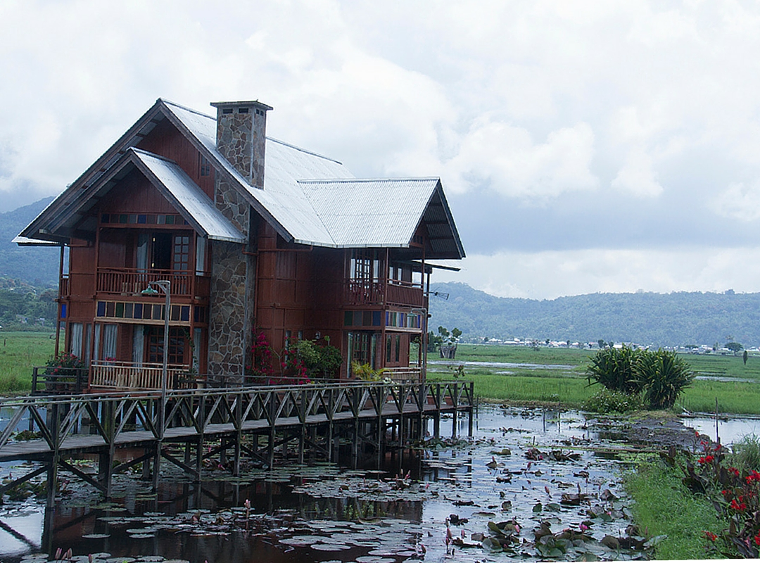 Salah satu destinasi wisata di Manado   Sumber: Contented Traveller