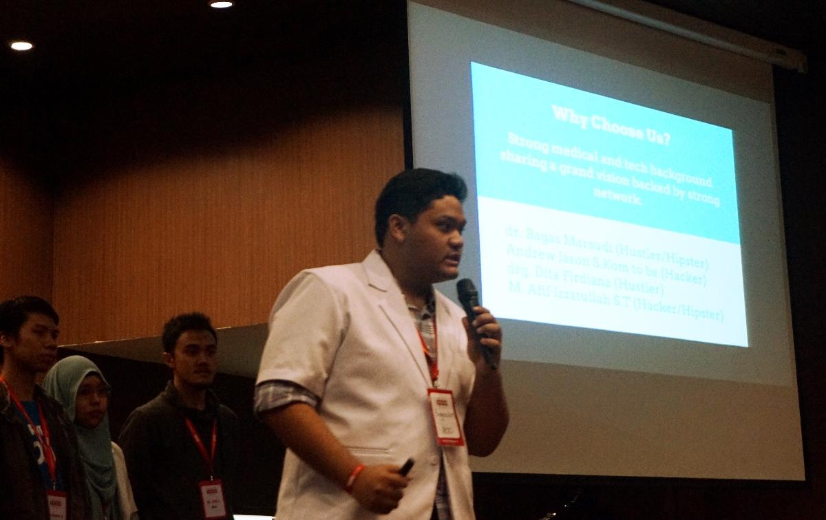 Ekspresi peserta saat presentasi menawarkan produknya kepada juri (Foto: Bagus DR / GNFI)