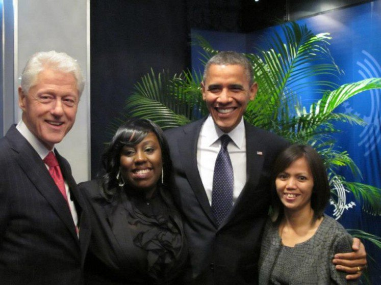 Ima Matul Maisaroh bersama Barrack Obama dan Bill Clinton (foto: Indonesianlantern.com)