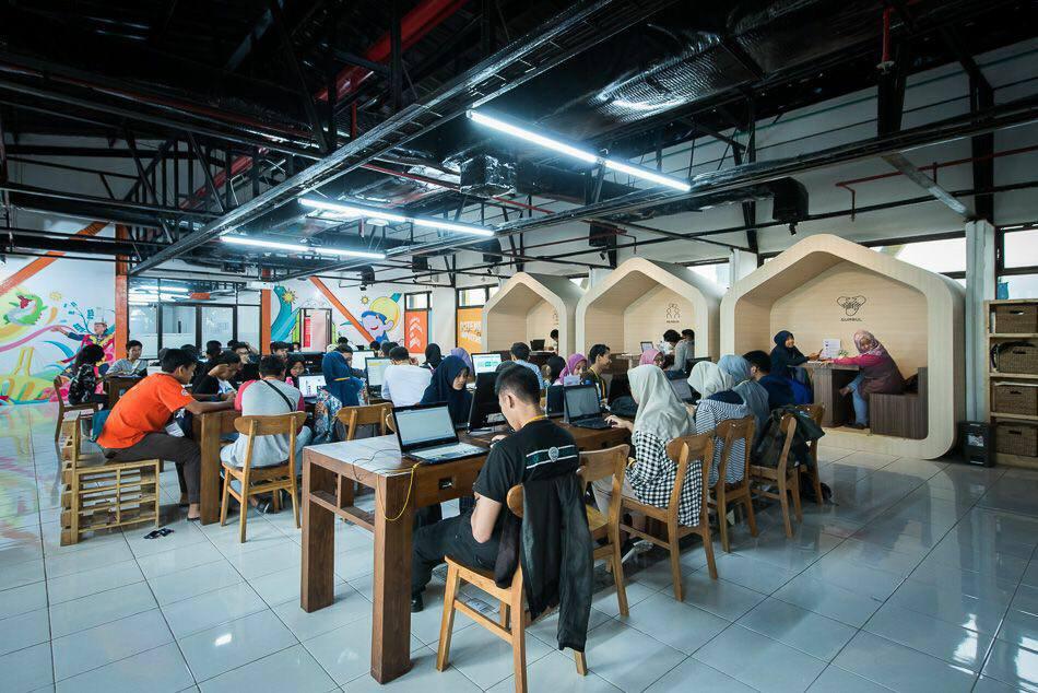 Coworking Space, Koridor di Surabaya (Foto: facebook.com/humaspemkotsurabaya