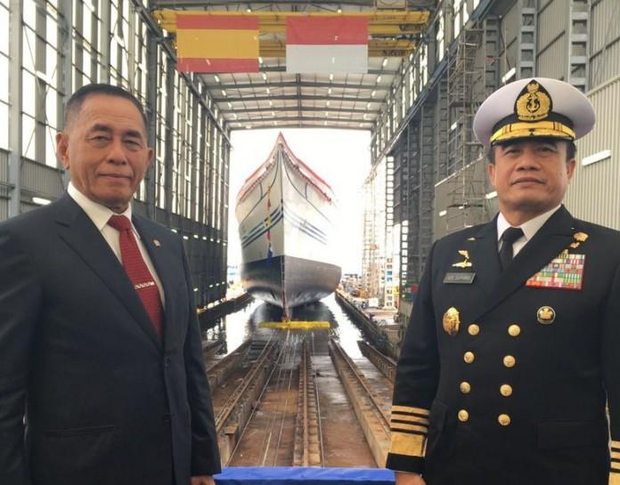 Menteri Pertahanan bersama Kepala Staf Angkatan Laut (Foto: dok. TNI AL / angkasa.co.id)