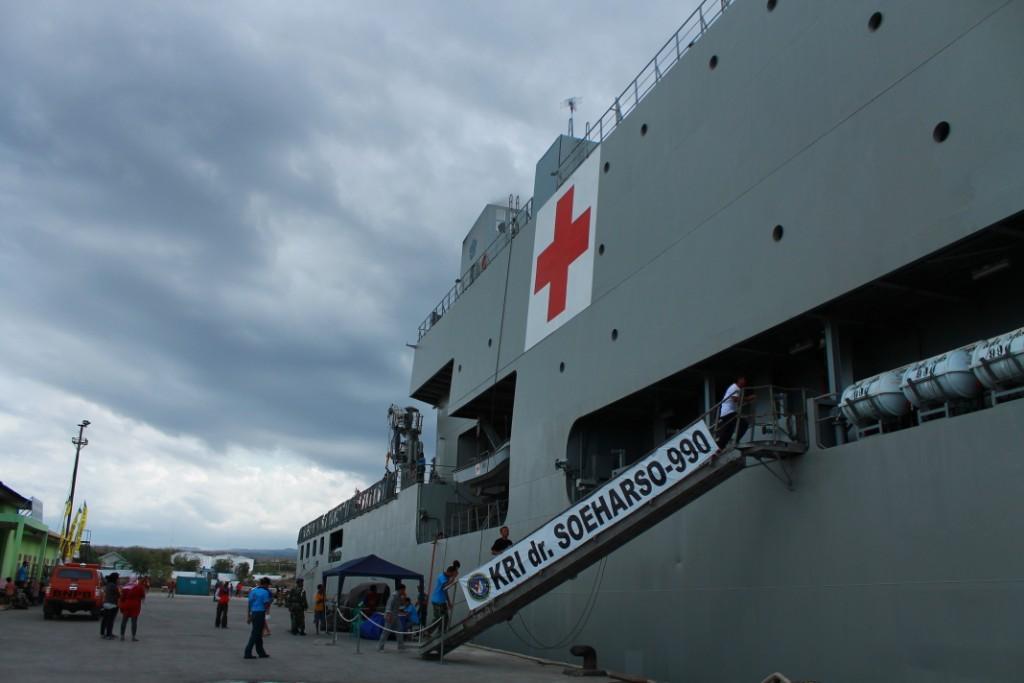 KRI Dr Suharso yang merupakan KRI Rumah Sakit Terapung pertama di Indonesia (Foto: liputanindonesianews.com)