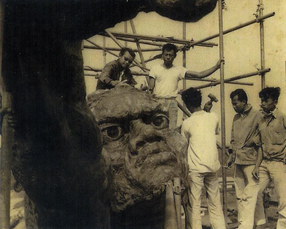 Patung dirgantara saat masih dibangun (Foto: Dispenau via Angkasa.co.id)