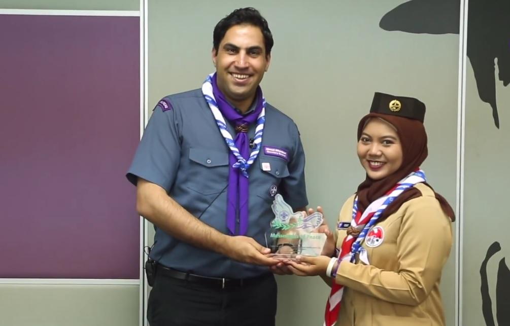 Venny saat menerima penghargaan MoP Heroes 2017 (Foto: World Scout / youtube.com)