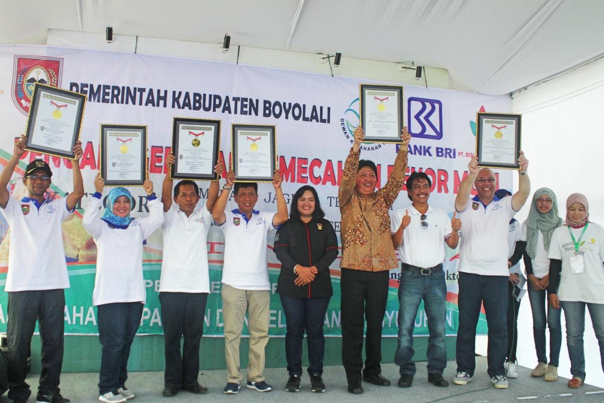 Piagam MURI untuk Kabupaten Boyolali (Foto: Arif Budi / GNFI)
