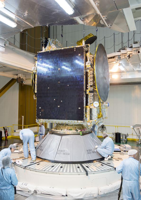 Satelit telah terpasang pada moduk (© Arianespace)