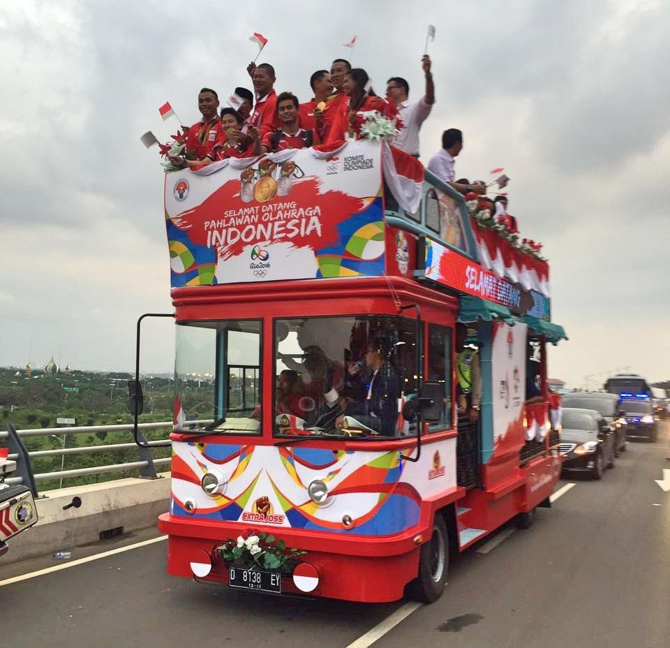 Bus Bandros yang digunakan untuk mengarak Pahlawan Olahraga Indonesia (Foto: dok. Angkasa Pura II)