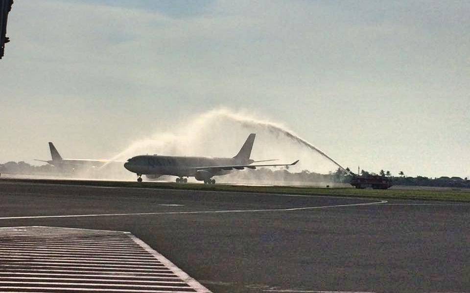 Water Salutation yang dilakukan di Bandara Soekarno Hatta kemarin (Foto: dok. Angkasa Pura II)