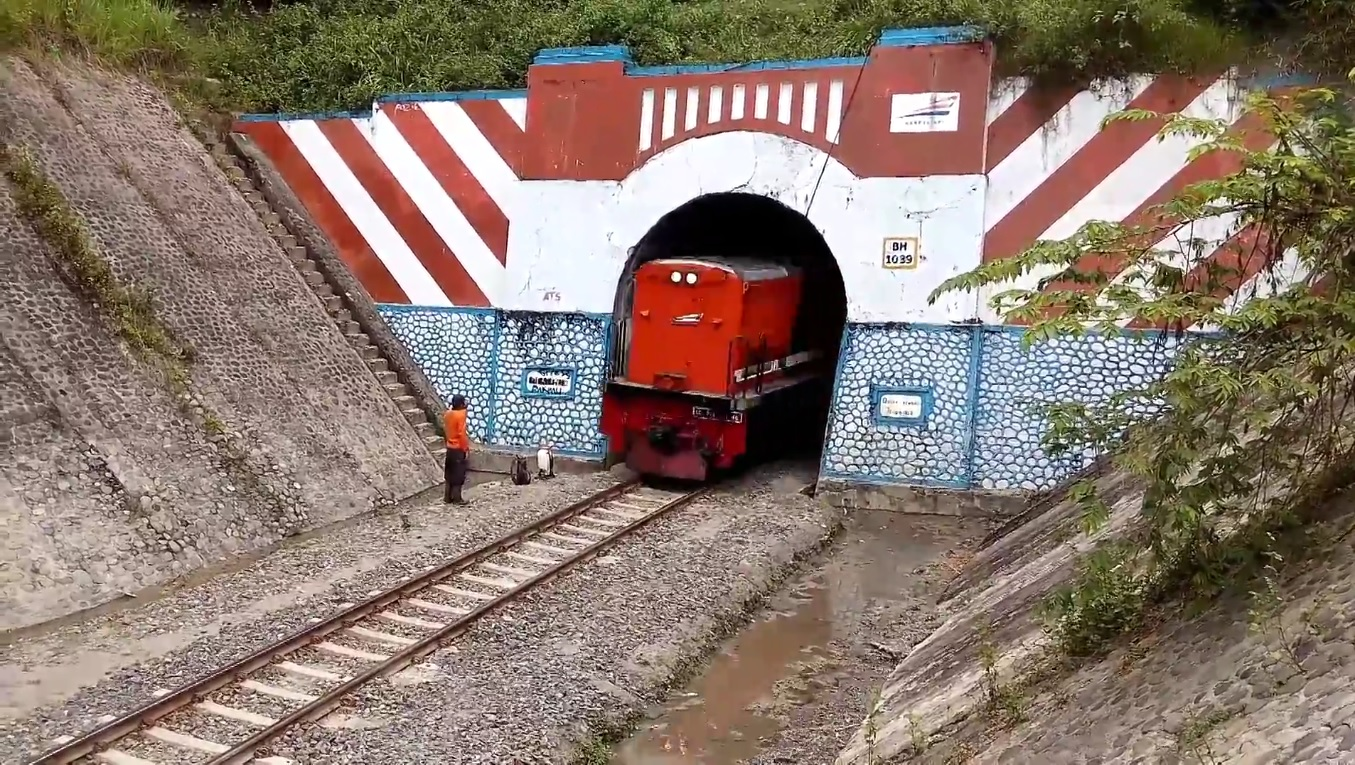 Terowongan Gajah (Foto: Anang Adhi/youtube.com)