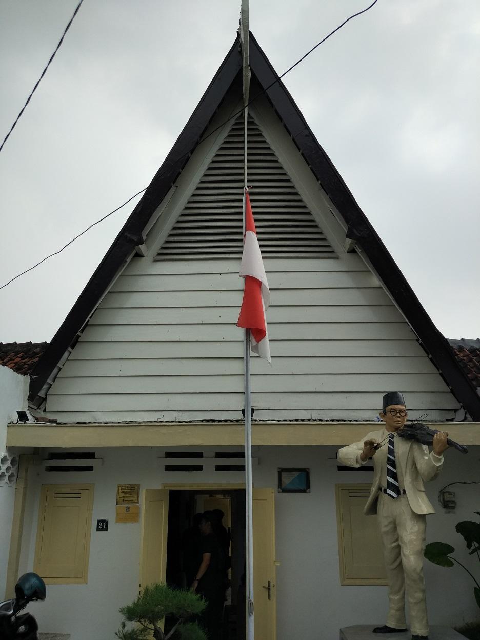 Rumah terakhir WR Supratman yang kini menjadi museum di jalan Mangga 21, Surabaya (Foto: Bagus DR/GNFI