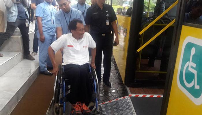Bis dengan tipe 'Low Entrynya' memudahkan penyandang disabilitas.