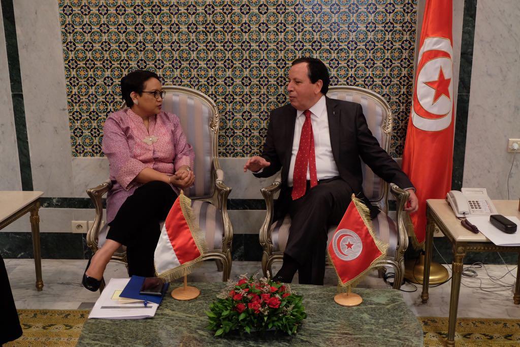 Sidang Komisi Bersama ke-10 oleh Menlu RI Retno Marsudi dan Menlu Tunisia Khemaies Jhinaoui (Kemlu.go.id)
