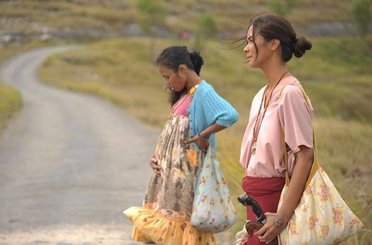 Marsya Timothy berperan sebagai Marlina, seorang janda yang mencari keadilan setelah rumahnya diserang perampok. (Instagram.com/moulys)