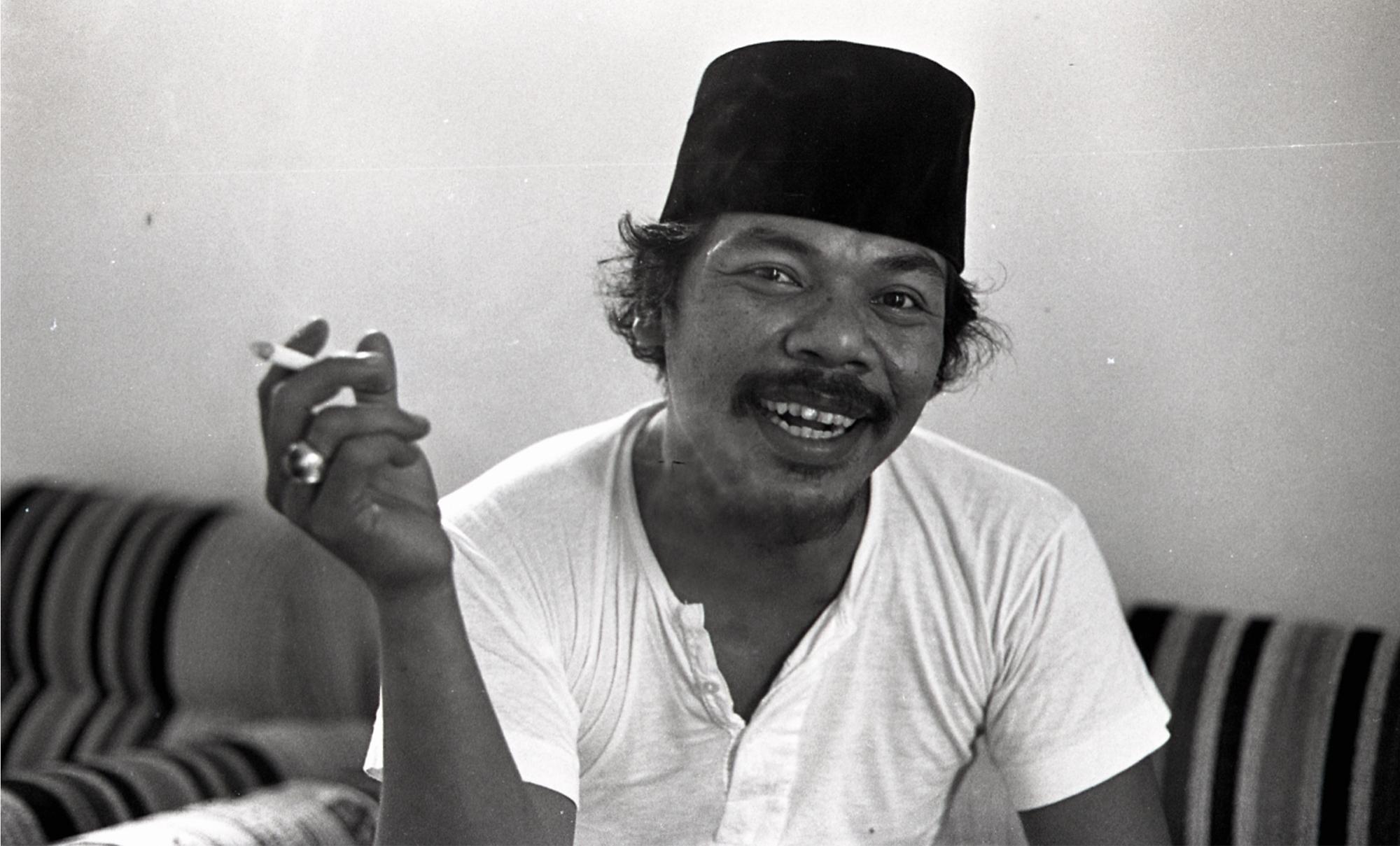 Benyamin Sueb, sang pelantun Gerimis Aje | Sumber: Beritagar