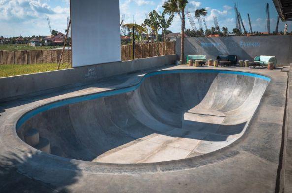 Pretty Poison merupakan arena skateboard yang berada di desa Canggu, Bali