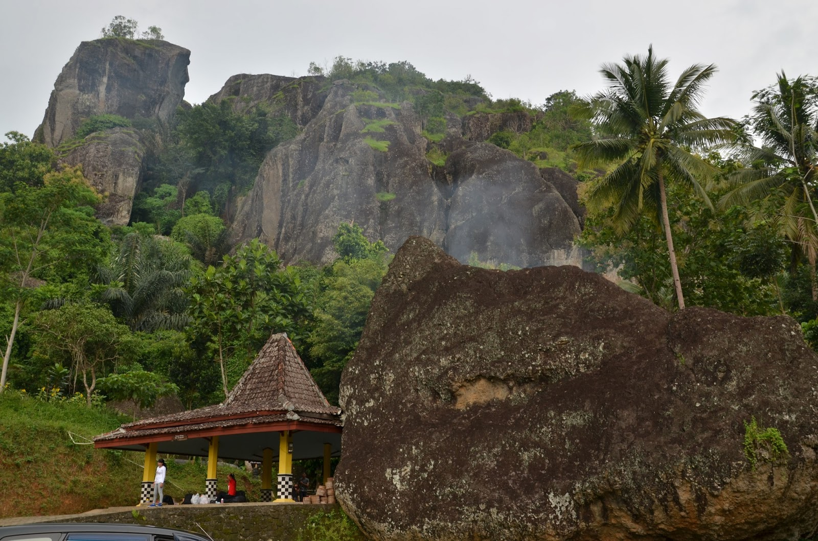 Panorama Gunung Api Purba (http://jogjacultureandtourism.blogspot.co.id/)