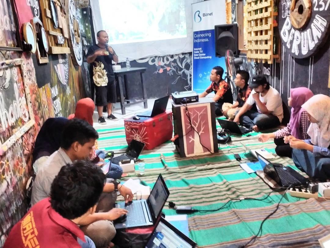 Suasana diskusi di Mari Blajar Gallery (Dokumentasi Mari Blajar Gallery)