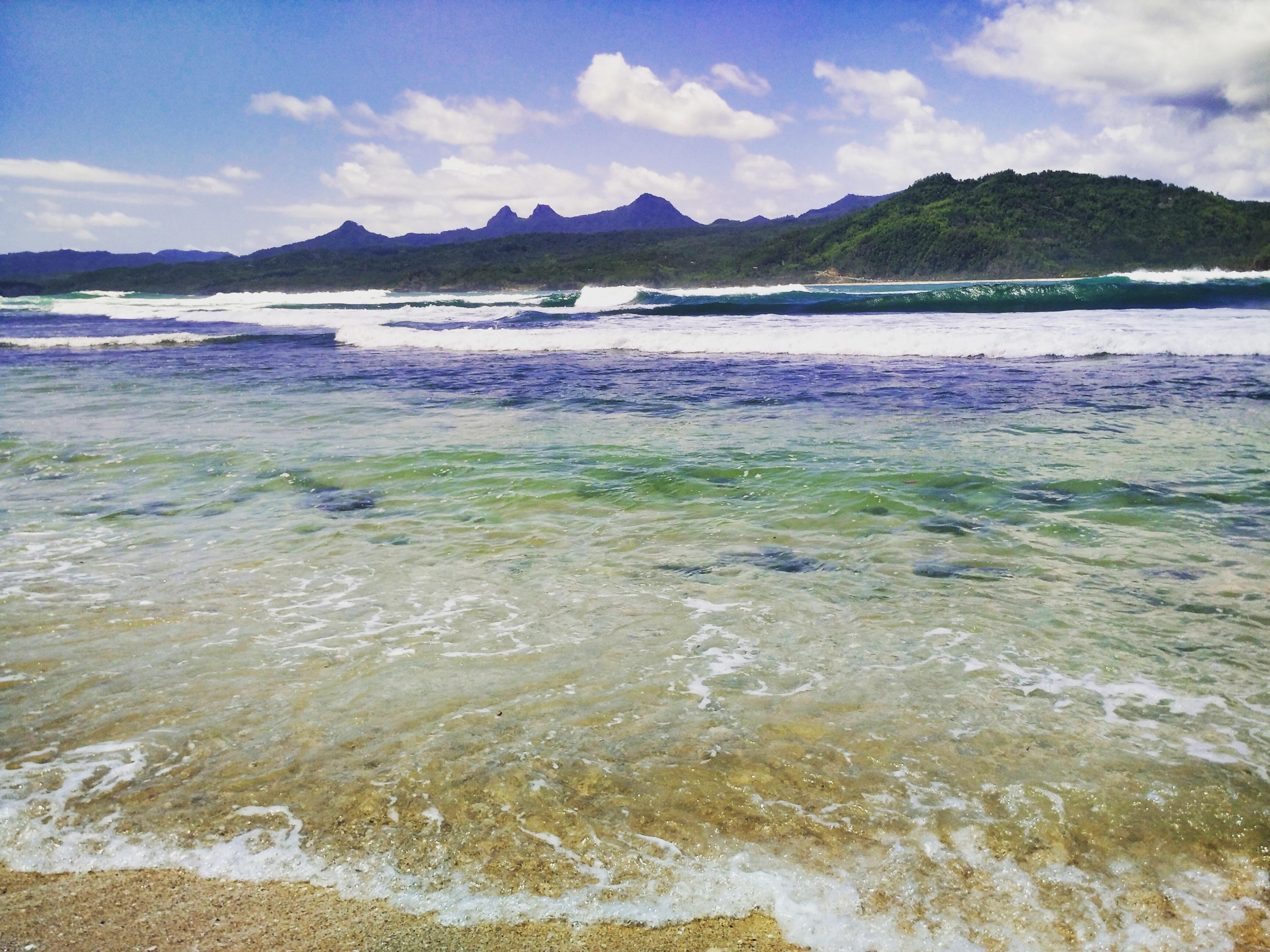 Kejernihan air di Pantai Siwil