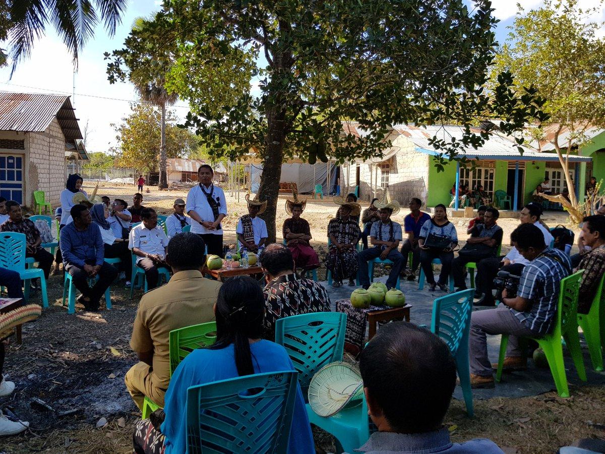Dialog dengan warga saat kunjungan kerja Menkominfo   Foto: Dok. Kominfo