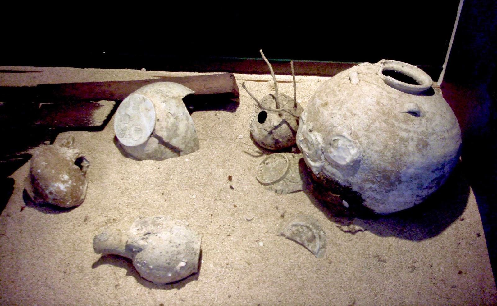 Perkakas peninggalan kapal Samudraraksa | Foto: dolanmagelang.blogspot.com
