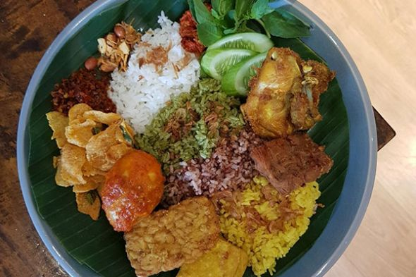 Nasi uduk warna-warni | Foto: Dok. Tom's Corner/Media Indonesia