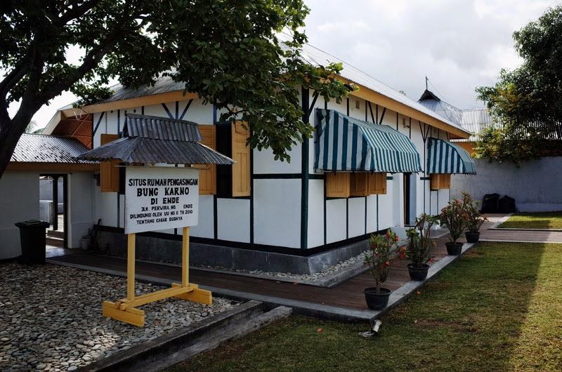 Rumah pengasingan Bung Karno di Flores | Foto: blog.miraafianti.com