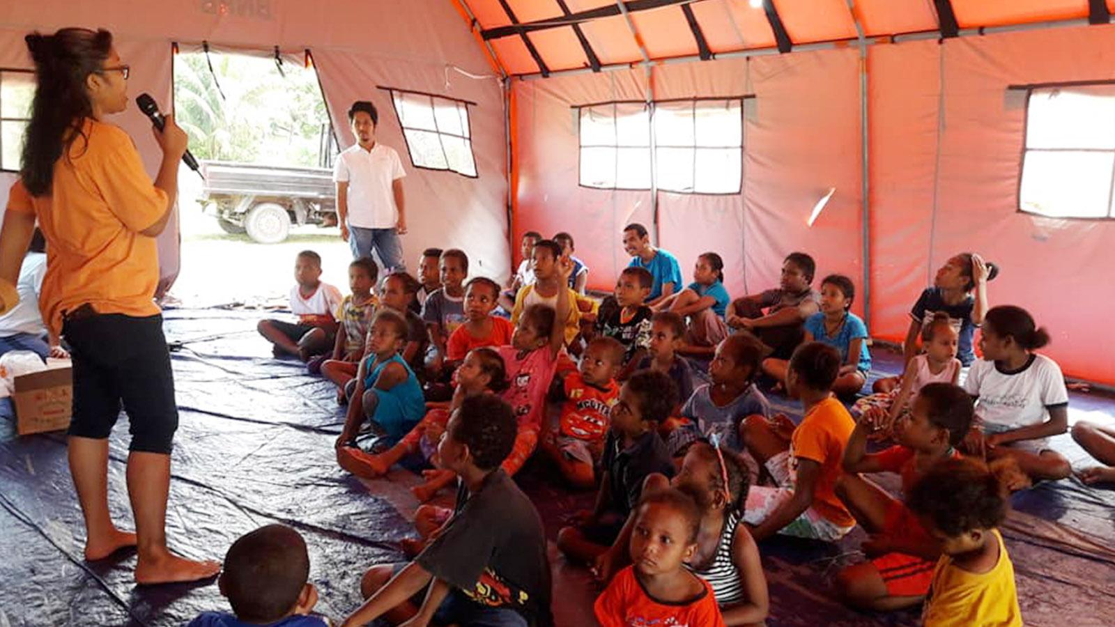 Kitong Bisa Learning Center Jayapura – Trauma Healing | Foto: kitongbisa.com