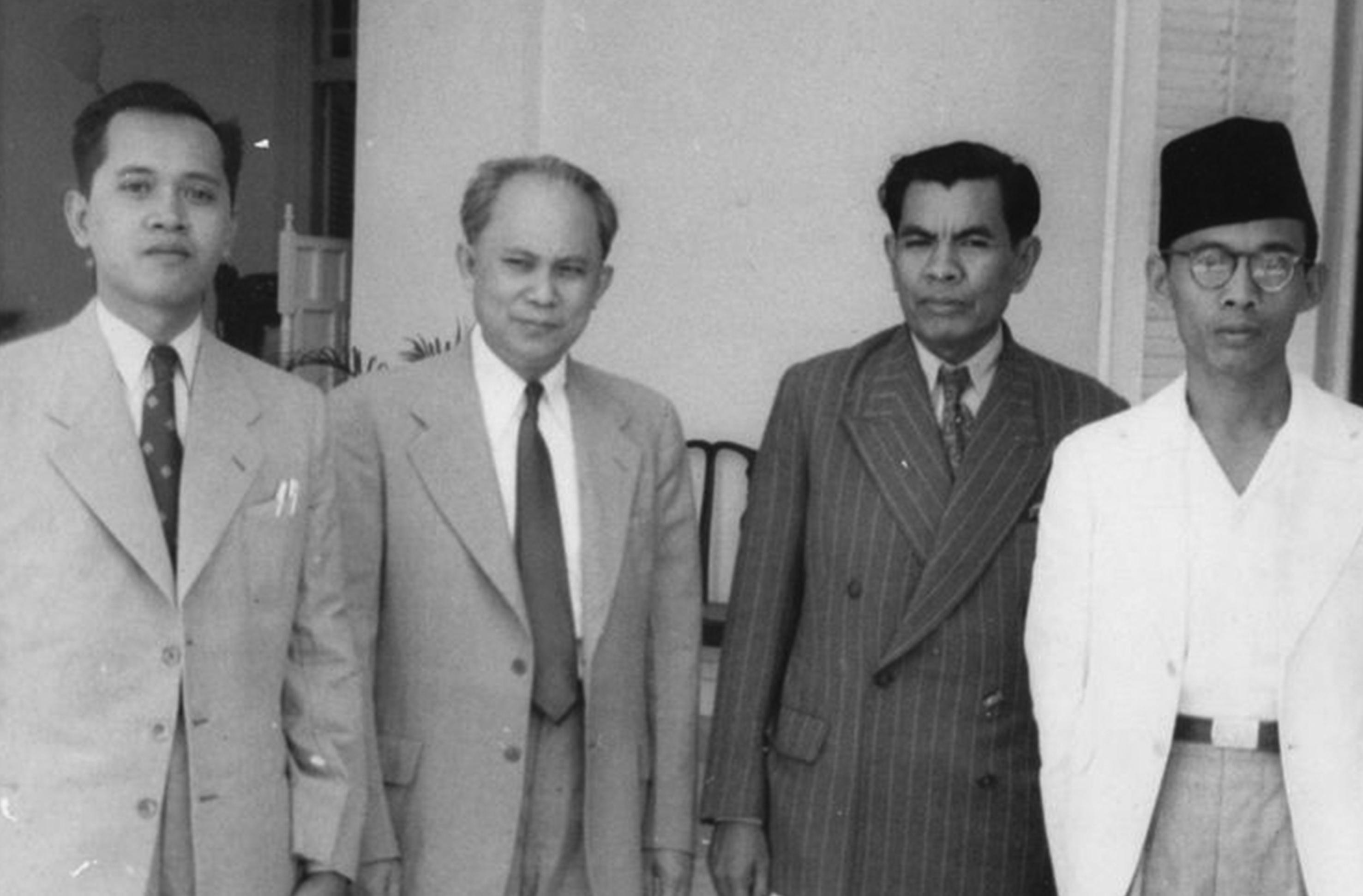 M Yamin Sang Perintis Puisi Modern Indonesia