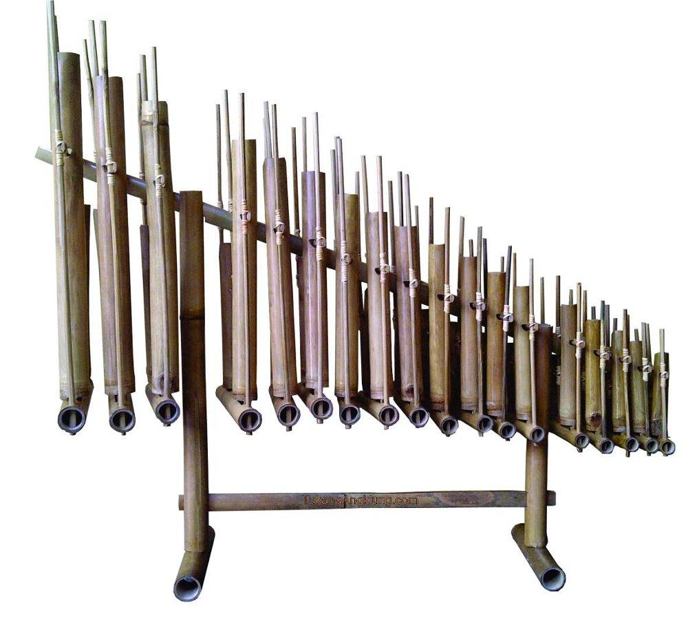 Angklung alat musik dari bambu yang mendunia | Foto: indovoices.com