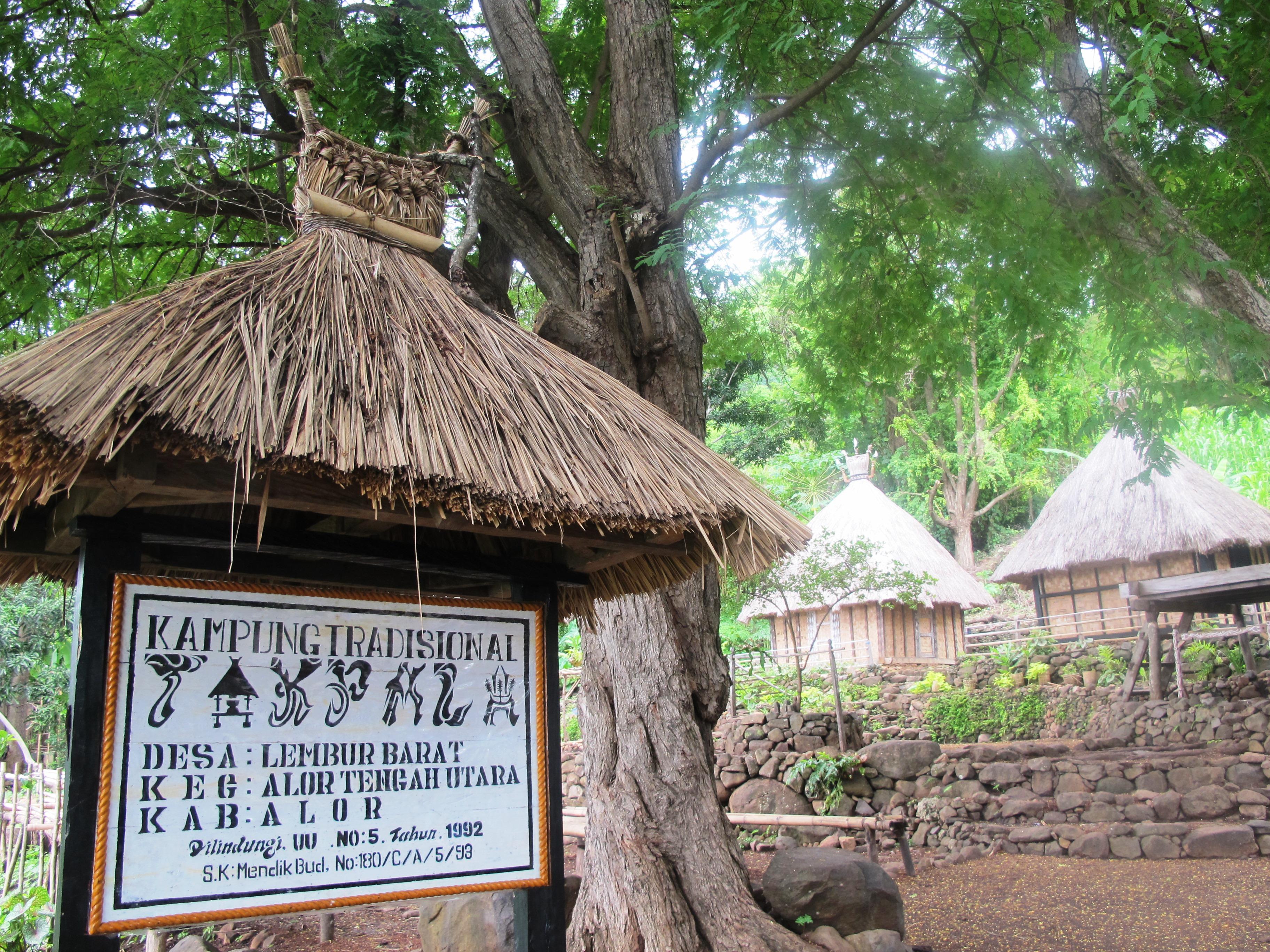 Pintu kampung Takpala | Foto: Bentang Alam Semesta