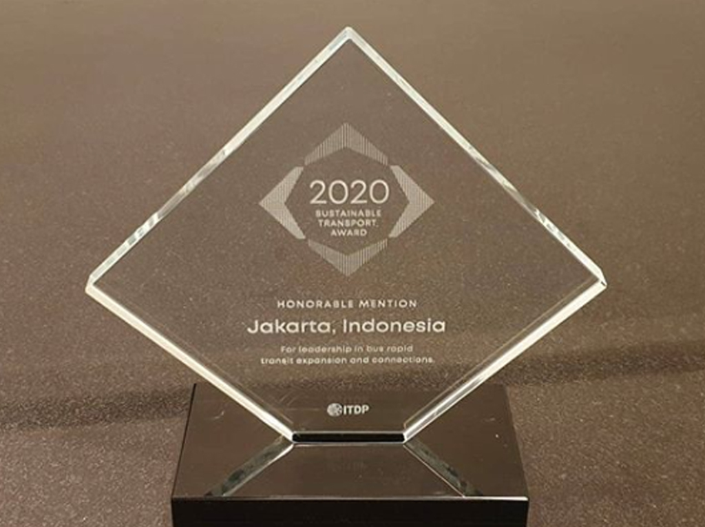 Piagam penghargaan STA 2020 | Foto: instagram.com/aniesbaswedan