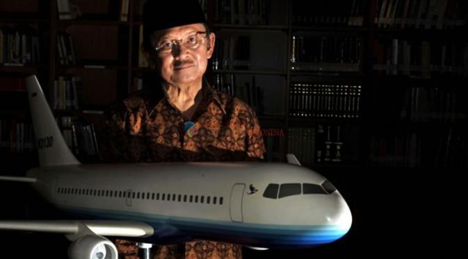 Presiden Ketiga Indonesia, Bacharuddin Jusuf Habibie, Penemu Pesawat terbang.