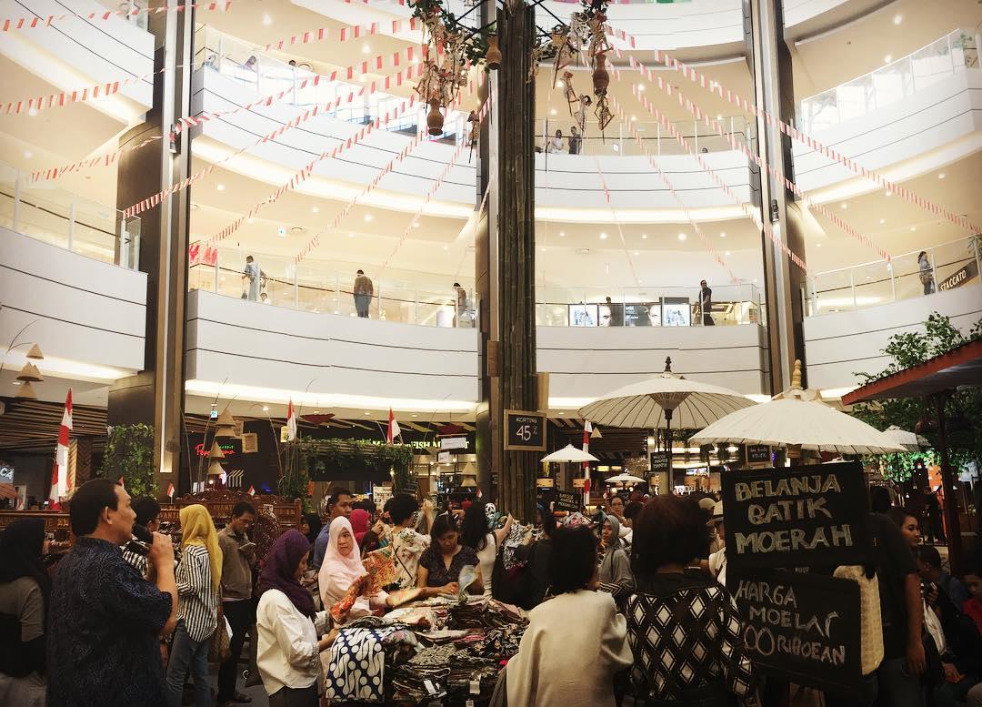 Keramaian Pasar Tiban - Toejoeh Belasan di AEON Mall BSD City