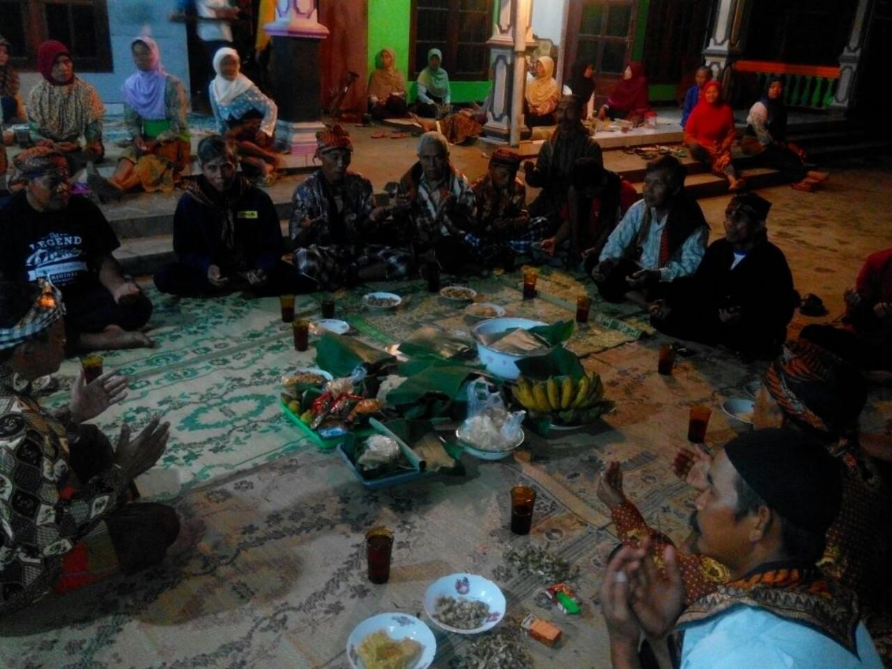 Para Tokoh Masyarakat Berkumpul di Malam Tirakatan