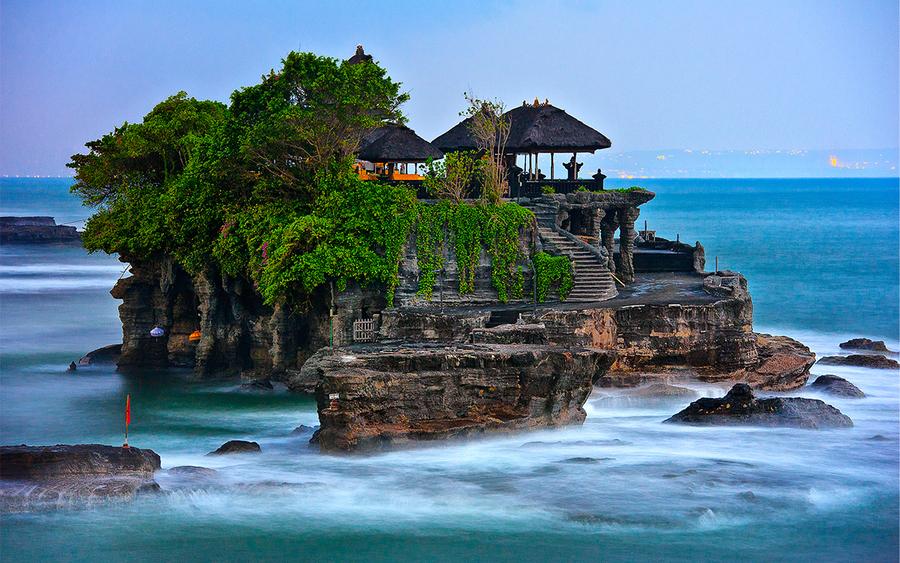 Keindahan Bali - Tanah Lot. Sumber: Katalogwisata.com