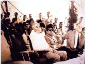 Peresmian Konstruksi Bendungan Jatiluhur. (Sumber: Menyimak Bendungan di Indonesia (1910 – 2006) KNI-BB, Yayasan Kilas Teknologi Konstruksi Indonesia)
