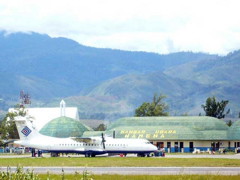 Bandara Wamena, Jayawijaya, Papua  Sumber:http://pemerhati-bandara.blogspot.co.id/