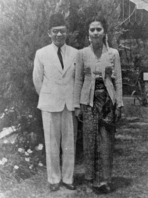 Foto pernikahan Bung Hatta dan Rahmi Rachim. Sumber:kompas.com