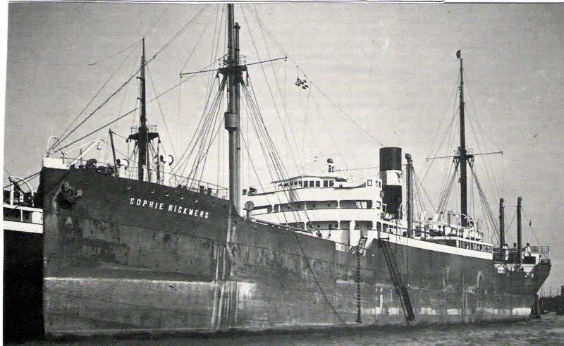 Kapal Sophie Rickmers di Pulau Weh, Aceh. Sumber: kustvaartforum.com