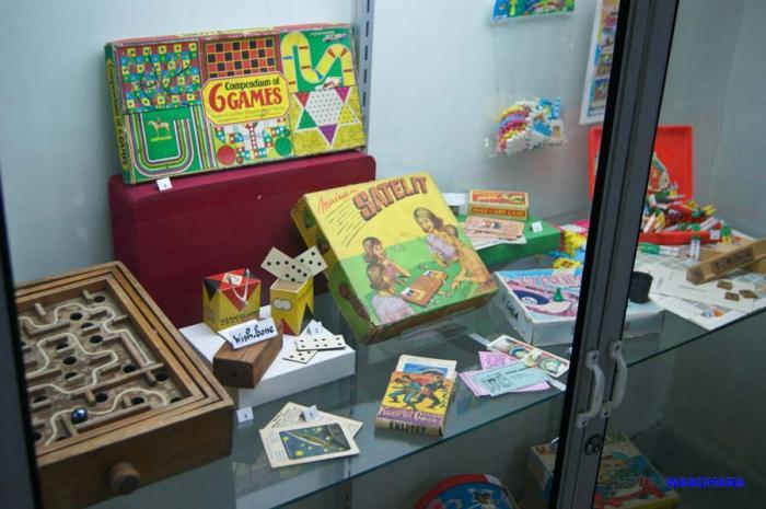 Koleksi permainan di museum Kolong Tangga (Kompasiana.com)