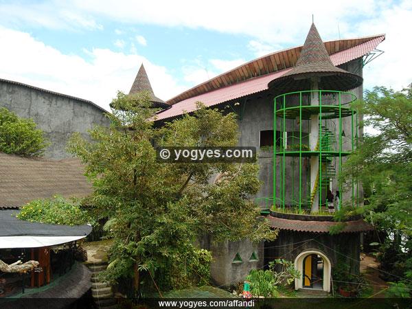 Museum Affandi (www.yogyes.com)