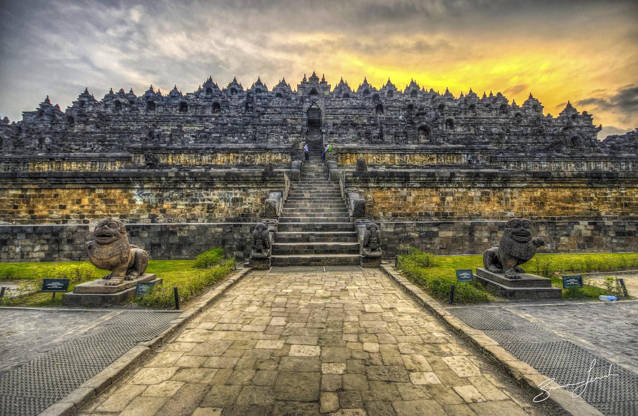 Candi Borobudur (pramana-tours.com)