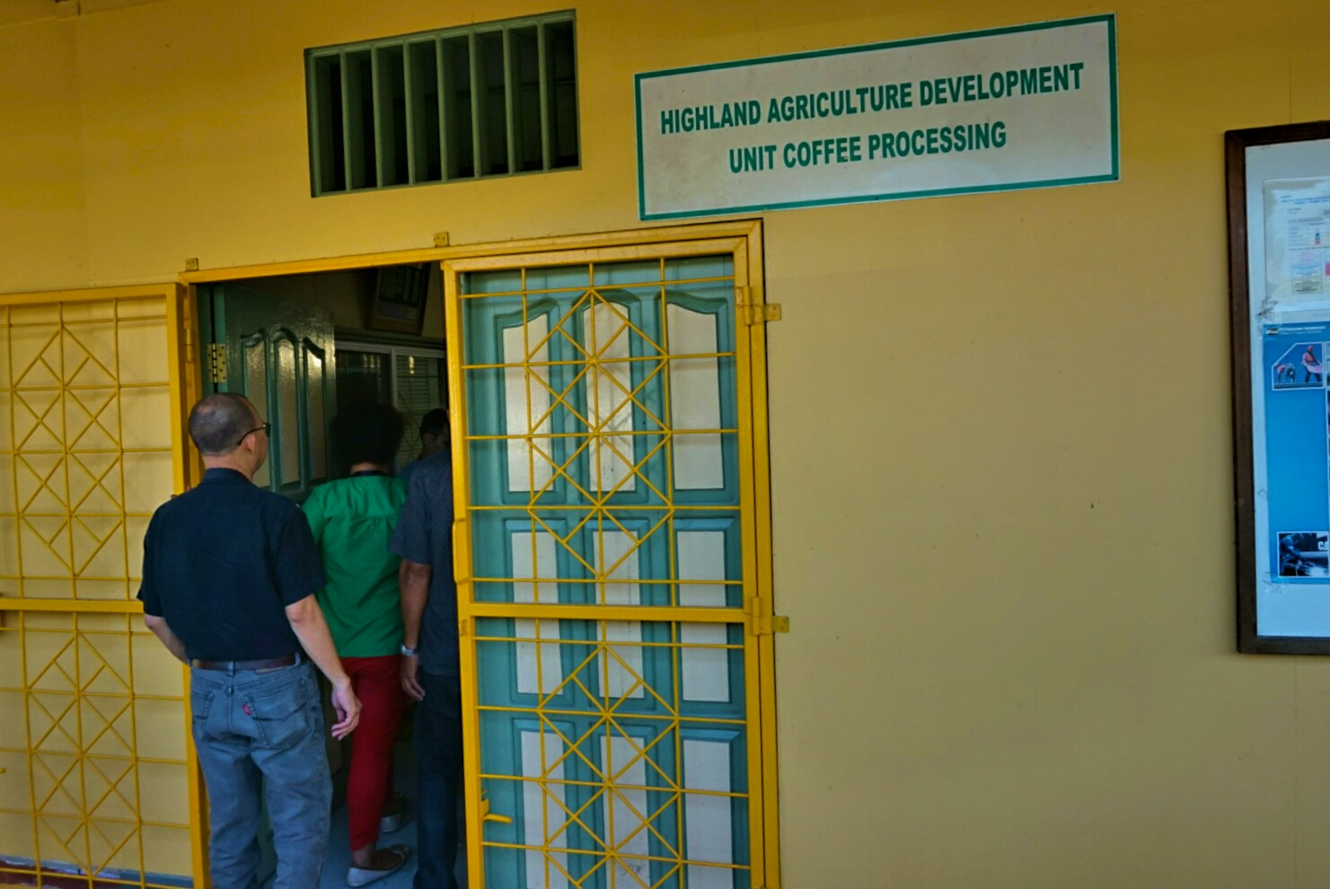 Tampak depan lokasi produksi Kopi Amungme (Foto: Bagus DR / GNFI)