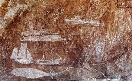 Lukisan perahu layar, kapal laut, dan pesawat kecil menghiasi tempat penampungan batu baru ditemukan di wilayah Aborigin (via news.nationalgeographic.com)