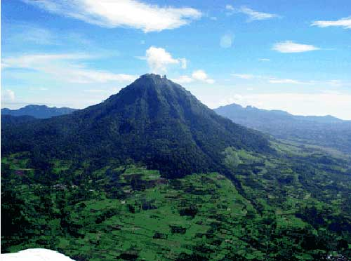 Gunung Leuser Aceh (via alamendah.wordpress.com)
