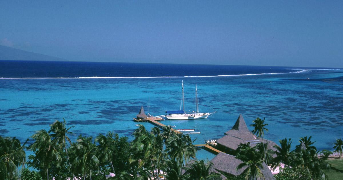 Pulau Ora di Maluku Utara yang tidak kalah cantik dengan Maladewa (ine wstyles)