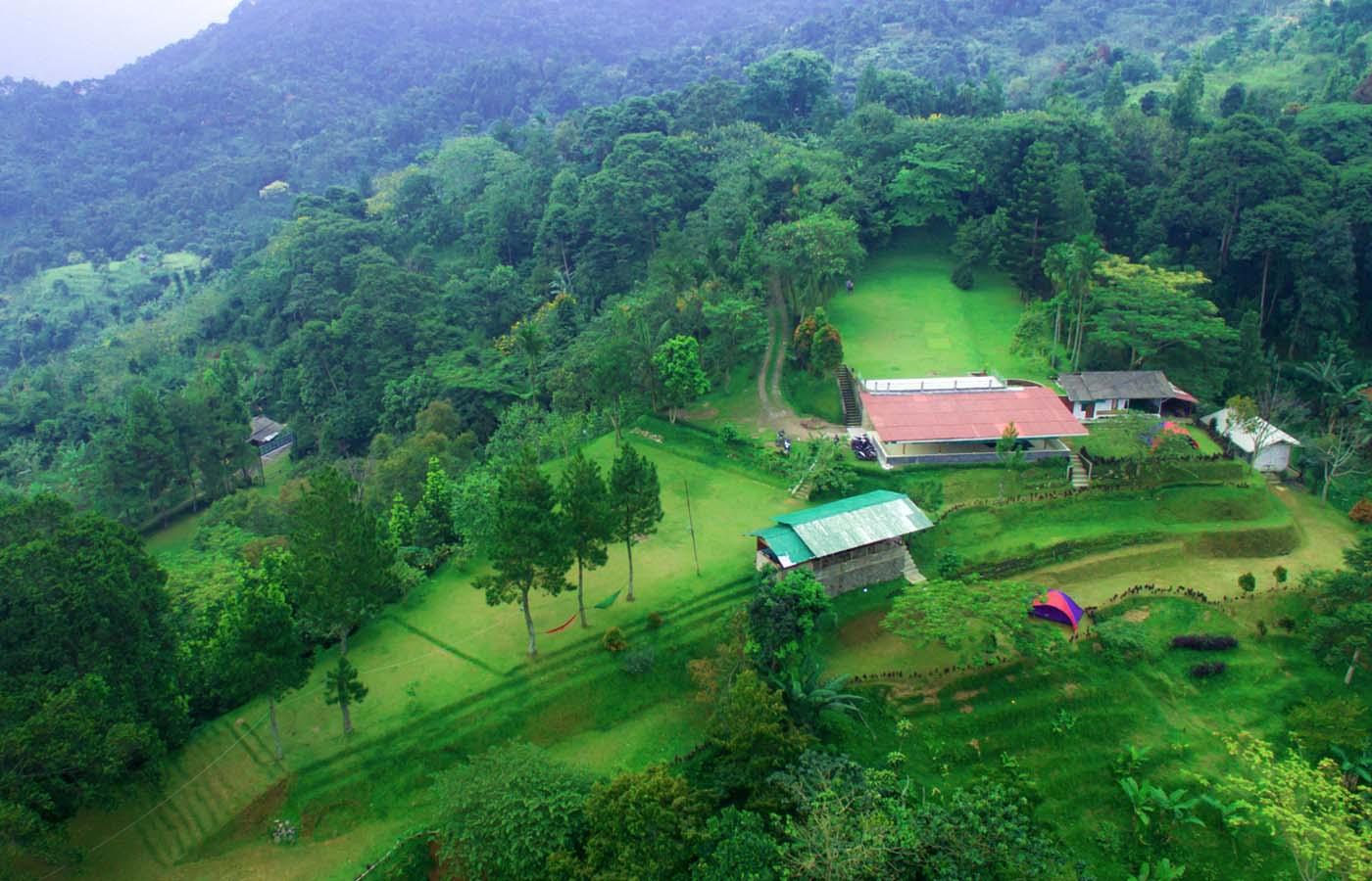 Kawasan Camp dan Hutan Pesona Highland Puncak Bogor