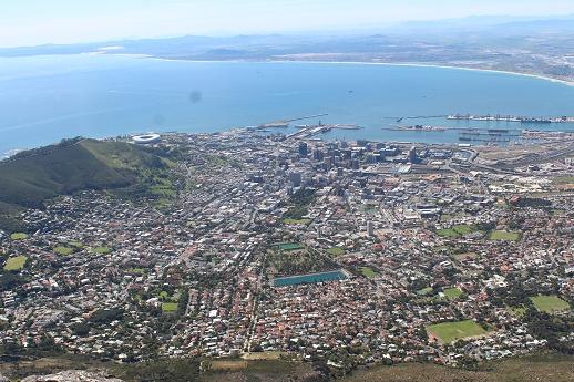 Pemandangan kota Capetown dari Puncak Table Mountain