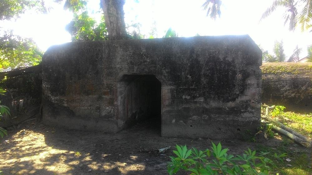 Pintu masuk bungker yang pertama